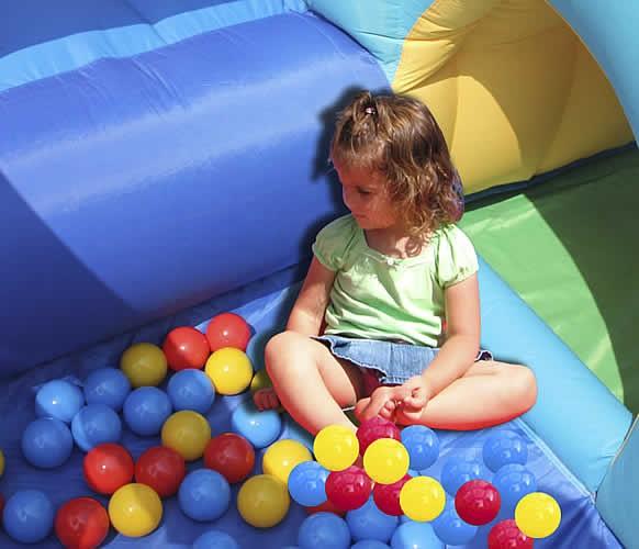 Acquisto vendita gonfiabile per bambini modello medioevo - Piscina con palline per adulti ...